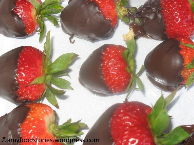 ChocolateCoveredStrawberries1